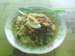 Melancaran Blog - Sarapan Bubur Ayam Bumbu Bali di Pantai Matahari Terbit Sanur